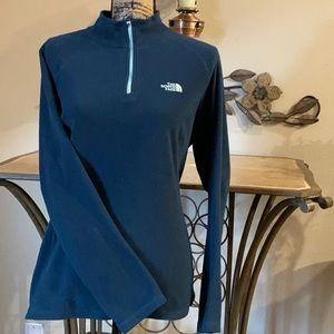 ⭐️ THE NORTH FACE 1/4 zip long sleeved fleece top
